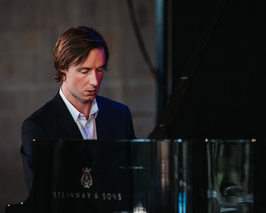 photo-gaspard-dehaene-concert-1001-notes-2020-interview-chopin