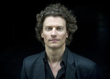 Nicolas Krauze : «le chef d'orchestre est un officier de deuxième ligne»